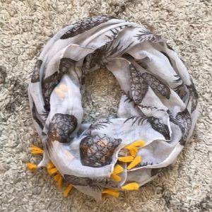 Francesca's 🍍 scarf
